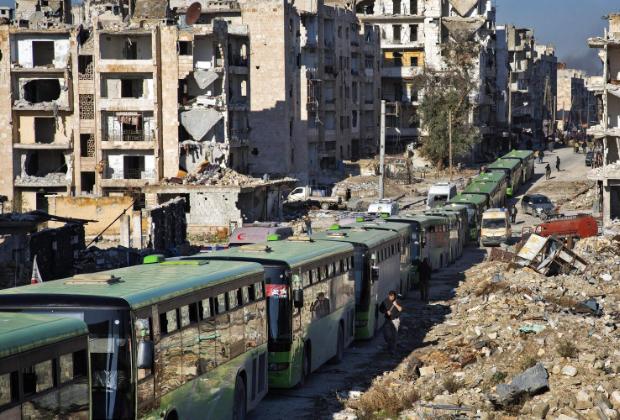 Выезд сахаватов из Алеппо в Идлиб на зеленых автобусах