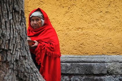 Женщины из Мексики вышли замуж за деревья