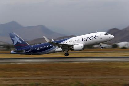 Перуанцы выпали из самолета при попытке улететь в стойке шасси