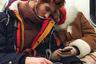 Накануне Дня всех влюбленных интерьерный фотограф из России Натали Герц сфотографировала парочку в электричке. «Что самое трогательное— они оба рыжие!»— подписала она снимок.