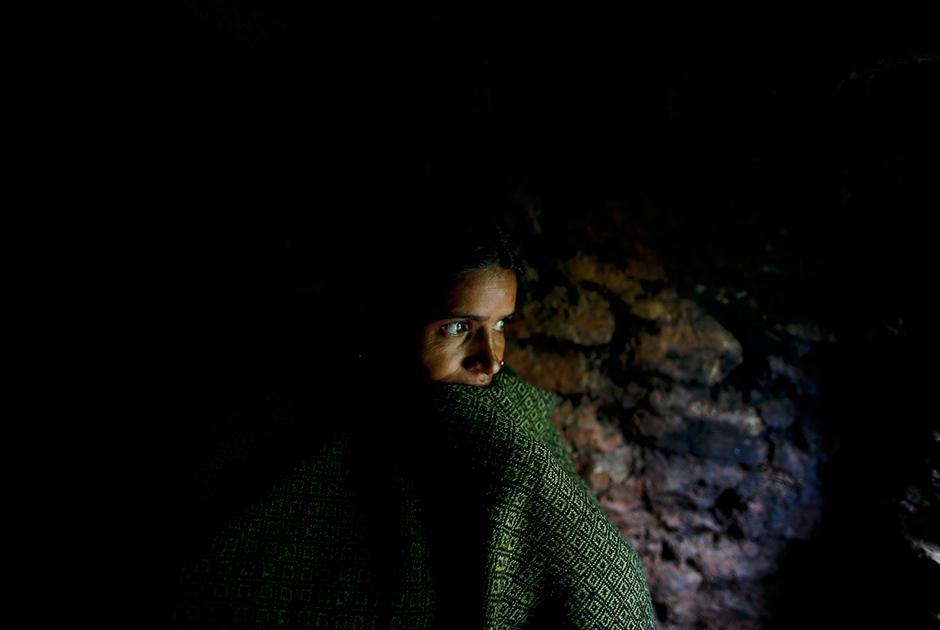 29-летняя Пабитра Деви Джайзи в менструационной избе в деревне Мастамандали