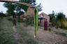 Укусы змей — одна из основных причин, по которым умирают заключенные в менструационные избы женщины. За последние десять лет восемь женщин скончались во время заточения.