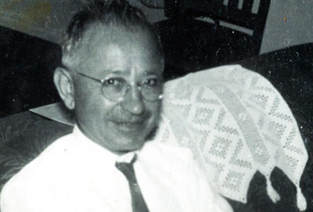 Виктор Хутев