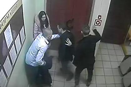 Отмечавшие день рождения пьяные подростки избили врачей в реанимации