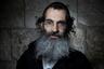 Профессор Еврейского университета в Иерусалиме Майкл Силбер, изучавший бороды, отметил, что некоторые сообщества ультраортодоксальных евреев запрещают  расчесывать бороды. Они считают их столь священными, что боятся потерять даже волосок из нее, а если он выпадает сам— помещают его в молитвенники, чтобы не потерять. «Для них борода— это канал связи с Богом»,— подытоживает Силбер.