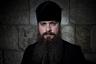 Православные священники тоже носят длинные бороды как знак преданности Господу и дань уважения Иисусу, которого традиционно изображают с бородой.