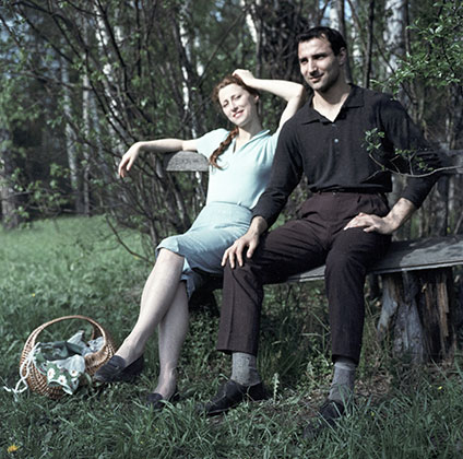 Майя Плисецкая и ее брат Азарий Плисецкий на отдыхе, 1962 год