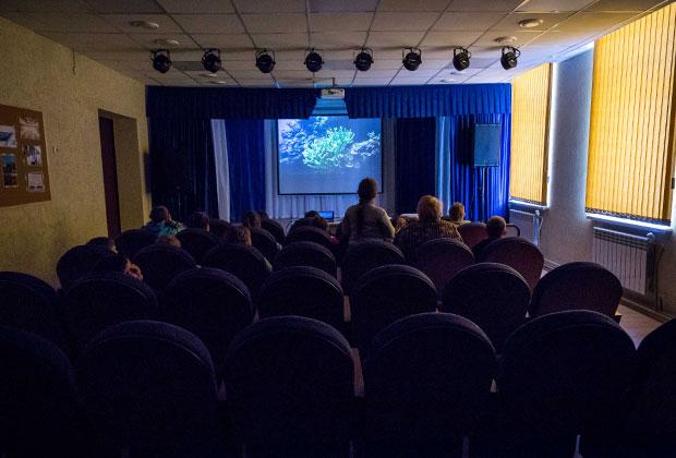 Зрительный зал дома культуры в Костино