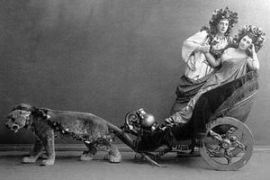 Матильда Кшесинская (справа) и Николай Солянников (слева) в балете Мариуса Петипа «Пробуждение Флоры»