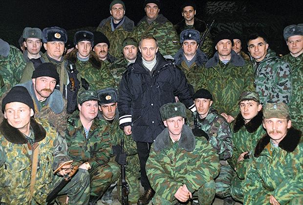 Первая поездка Путина в качестве и.о. президента России состоялась в Гудермес в новогоднюю ночь с 31 декабря 1999-го на 1 января 2000 года