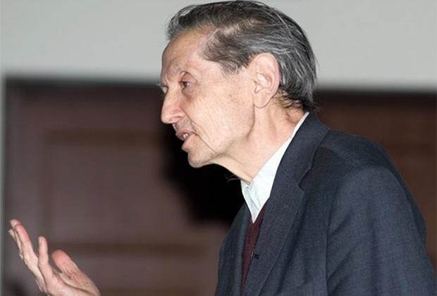 Олег Смолянов