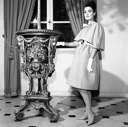 Платье из розовой органзы из коллекции Givenchy 1962 года