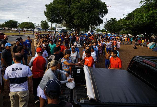 Безработные эмигранты из Венесуэлы едут в Бразилию за лучшей жизнью
