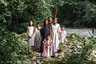 Семья ашанинка — Фидель Лопес Шанкин, его жена Верна Лопес Агустин, их дети и внуки на реке около деревни Сардис, Перу. Ашанинка живут на юго-востоке Перу, в тропических лесах провинций Хунин, Паско, Уануко и Укаяли. Из-за политических конфликтов часть ашанинка мигрировала в бразильский штат Акри.  <br><br> Ашанинка — не изолированное племя: они торговали с инками еще до высадки Франциско Писарро. При этом племя уделяет много внимания сохранению культуры: быт остается практически неизменным, традиционная одежда используется на праздниках и официальных мероприятиях, школы двуязычные.