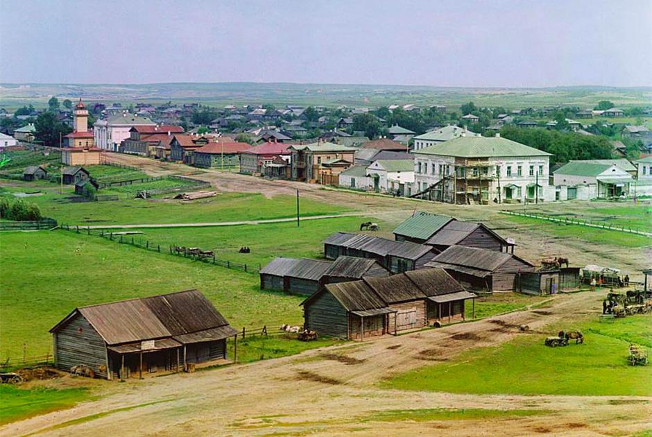 Общий вид города Кириллова с колокольни Казанского собора, 1909 год
