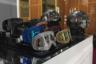 Известный немецкий дизайнер Филипп Плейн покрывает стразами все, до чего может дотянуться, в том числе солнцезащитные очки и горнолыжные маски. Стенд дизайнера на MIDO украшал его фирменный гигантский черный череп — разумеется, тоже в стразах.