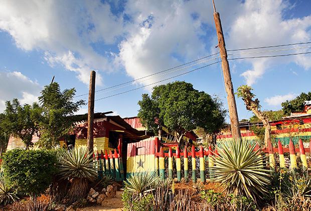 Лагерь раста Boboshanti неподалеку от Кингстона