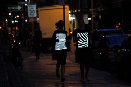 Пешеходов заставят «засветиться» на дороге