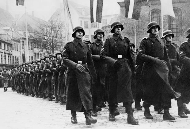 Парад латвийских подразделений СС. Рига, 18 ноября 1943 года