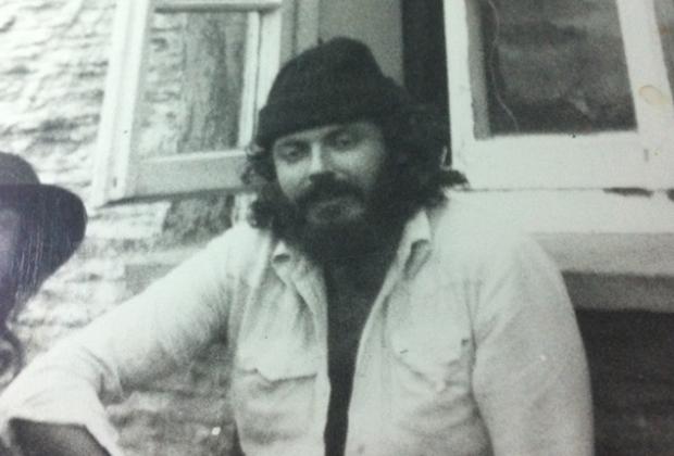 Детектив Стивен Бентли получил задание стать своим для наркобаронов-мечтателей