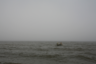 Рыбаки в Белом море, деревня Яреньга, Архангельская область. Летом до Яреньги можно добраться баржой, затем вездеходом, а зимой — только вертолетом. Продукты тоже доставляют вертолетом.