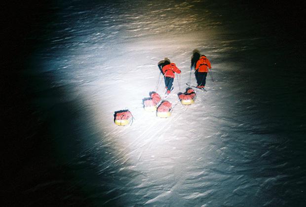 Матвей Шпаров и Борис Смолин дошли на лыжах до Северного полюса в полярную ночь