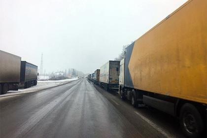 Россия закрыла границу для грузов с Украины