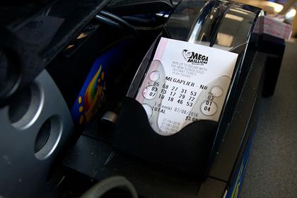Продавец нашел лотерейный билет на миллион долларов и вернул клиенту