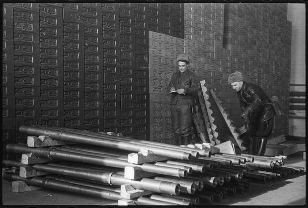 Склады артиллерийского имущества и боеприпасов под Бреслау. Учет трофеев. 1-й Украинский фронт, 20 февраля 1945 года.