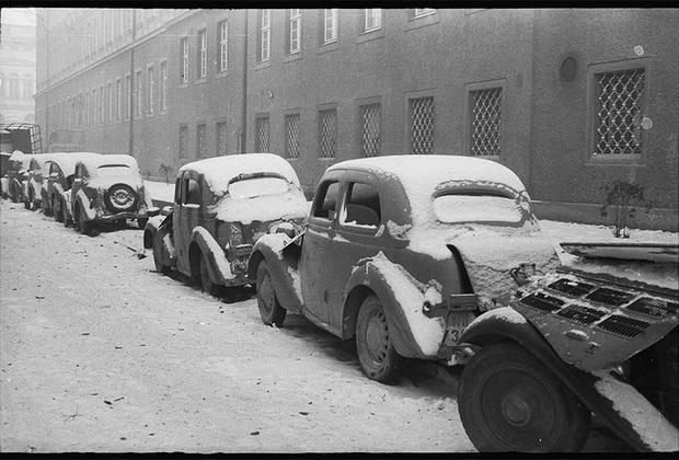 Одна из улиц немецкого города Оппельна. 1-й Украинский фронт, январь 1945 года.