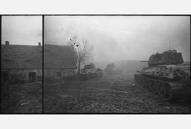 За Лигницем. Танкисты гвардии полковника Дудки, подразделение гвардии лейтенанта Воробьева Н.Т. 1-й Украинский фронт, 1945 год.