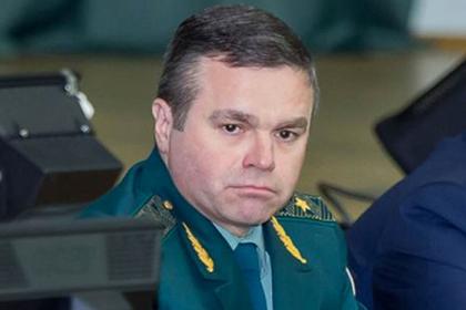 Пойманный на взятках таможенник попытался сжечь миллионы рублей