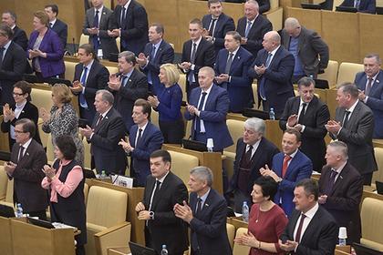 Песков не увидел повода для посредничества Путина в конфликте СМИ и Госдумы