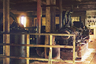 Снимок сделан на электростанции, построенной на берегу Оки у села Белоомут Зарайского уезда Рязанской губернии. Сейчас Белоомут — поселок городского типа в Луховицком районе Московской области, расположен на левом берегу реки Оки в Мещере, в 160 километрах от Москвы.