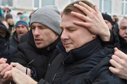 Евгений Гаврилов (справа)
