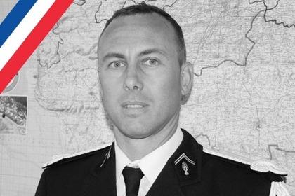 Умер обменявший себя на заложника французский полицейский
