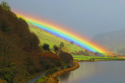 В Великобритании заметили кислотную радугу