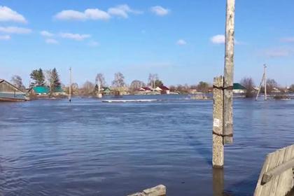 Наводнение оставило без домов более тысячи россиян