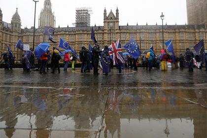 Великобритания взялась за визы российских олигархов