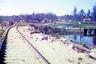 На снимке 264-я верста Мурманской железной дороги, 856-й пикет. Предположительно, объектом съемки Прокудина-Горского была неровность пути, из-за которой в этом месте в январе 1916 года три раза сошел с рельсов министерский поезд.