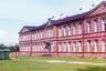 Леушинская женская школа находилась на территории Леушинского Иоанно-Предтеченского женского монастыря, вблизи от реки Шексны, между городами Череповцом и Рыбинском. В период с 1941-го по 1946 год был затоплен водами Рыбинского водохранилища.