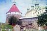 В первое десятилетие XX века Соловецкая обитель принимала до 15 тысяч паломников в год. Их перевозки по морю осуществлялись монастырскими судами, с одним из которых прибыл на острова и Прокудин-Горский.