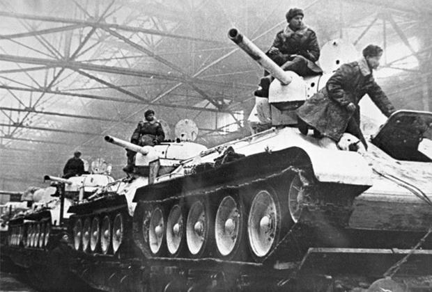 Танки Т-34 образца 1942 года из цехов «Уралмаша»