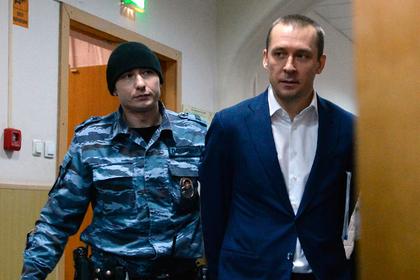 Дмитрий Захарченко (справа)