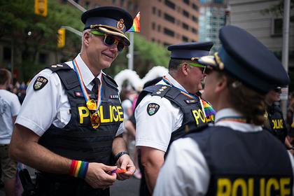 Канадские геи обиделись и не пустили полицейских на свой парад