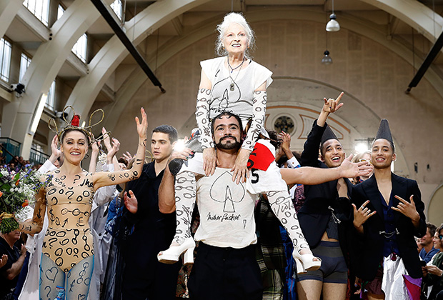 Вивьен Вествуд после показа мужской коллекции на Неделе моды в Лондоне, июнь 2017 года