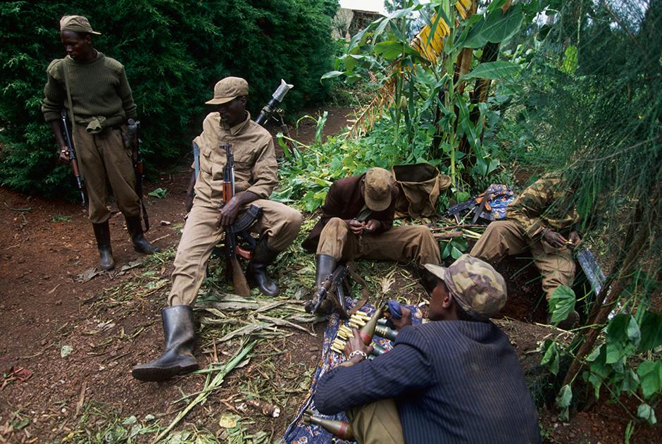 Члены Руандийского патриотического фронта, боровшегося против геноцида