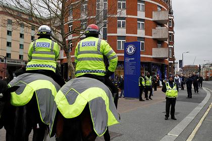 Британский полицейский ушел на больничный и стал проституткой