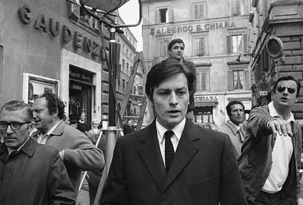 Примером классического стиля молодого человека был Ален Делон. Французский актер не был широко известен в США, но для Европы наряду с Марчелло Мастроянни он был одним из главных секс-символов 60-х.