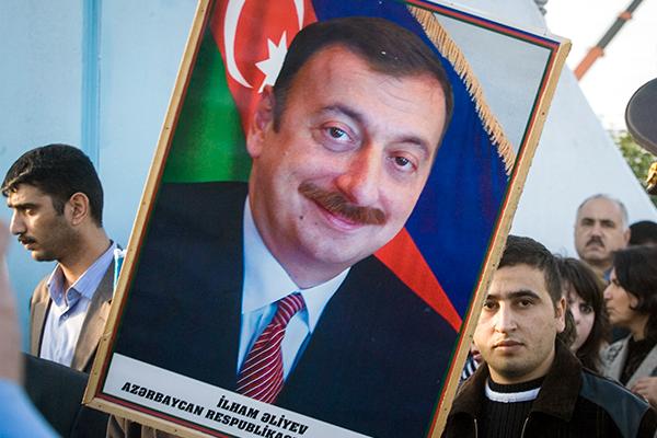 Секс азербайджан россия